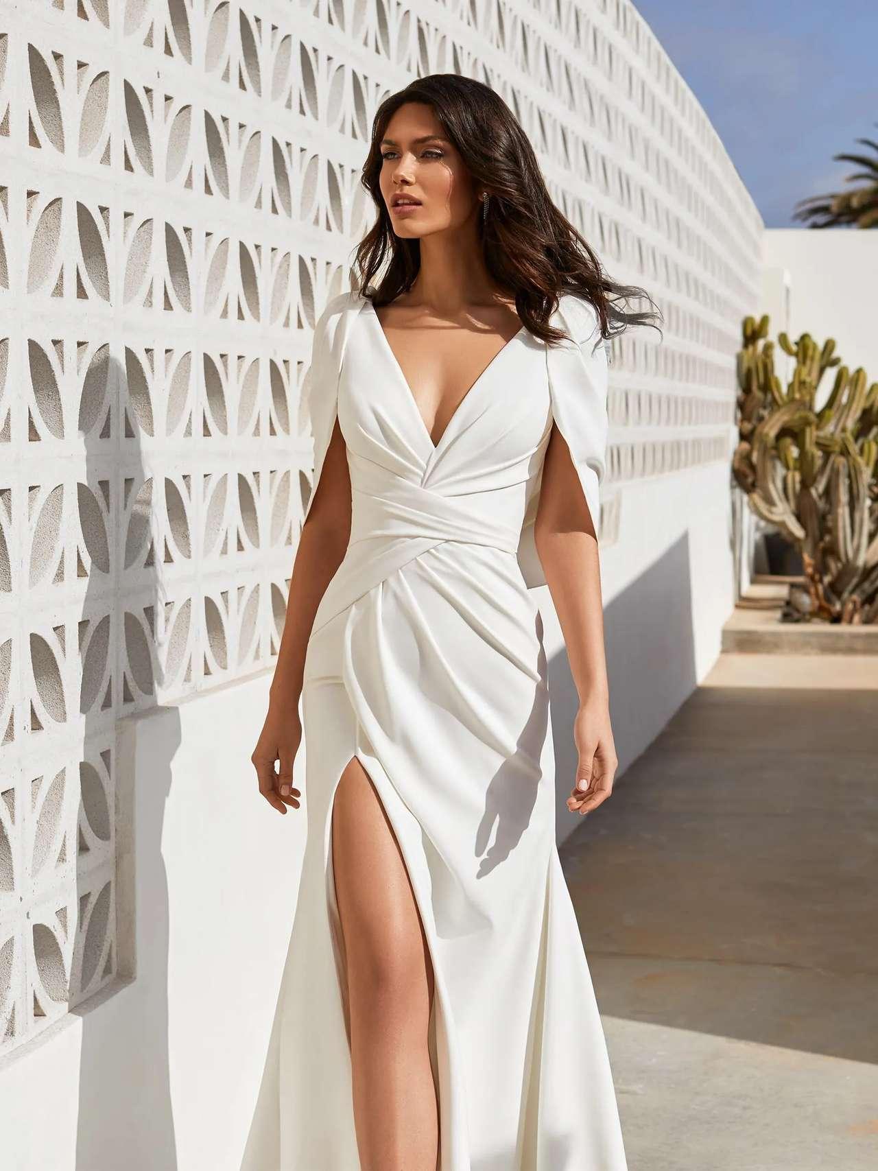 Pronovias 2021 esküvői ruha: Abby