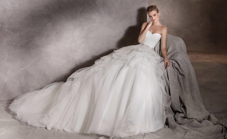 Albania menyasszonyi ruha - Pronovias 2017