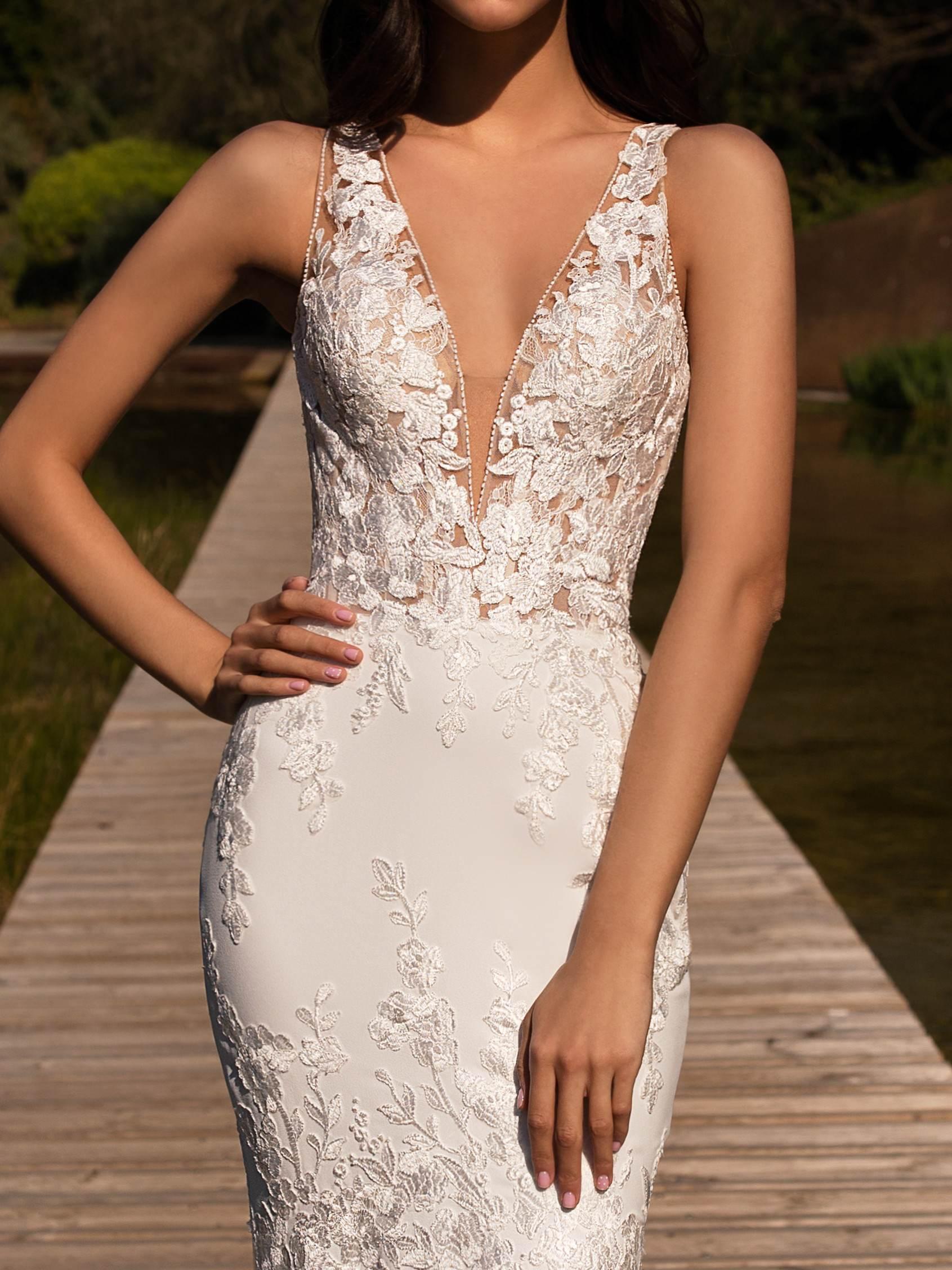 Pronovias 2021 menyasszonyi ruha: Alcyone