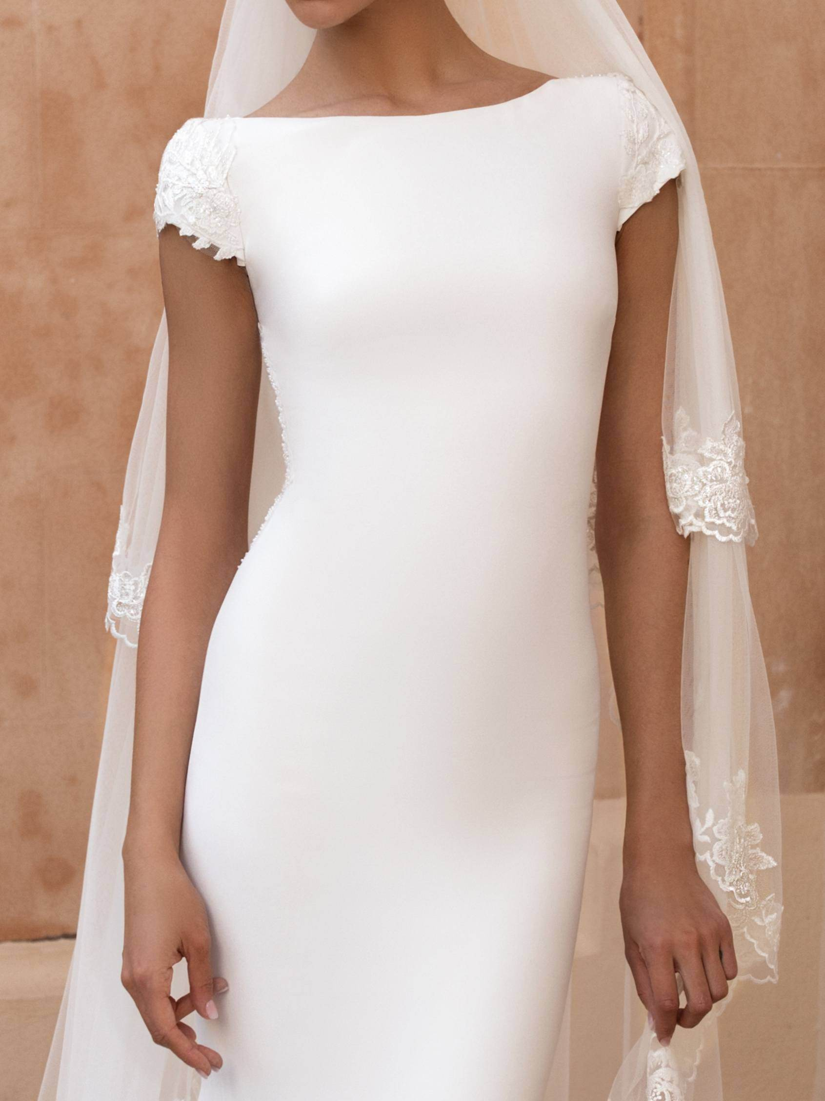 Pronovias 2021 menyasszonyi ruha: Anitra