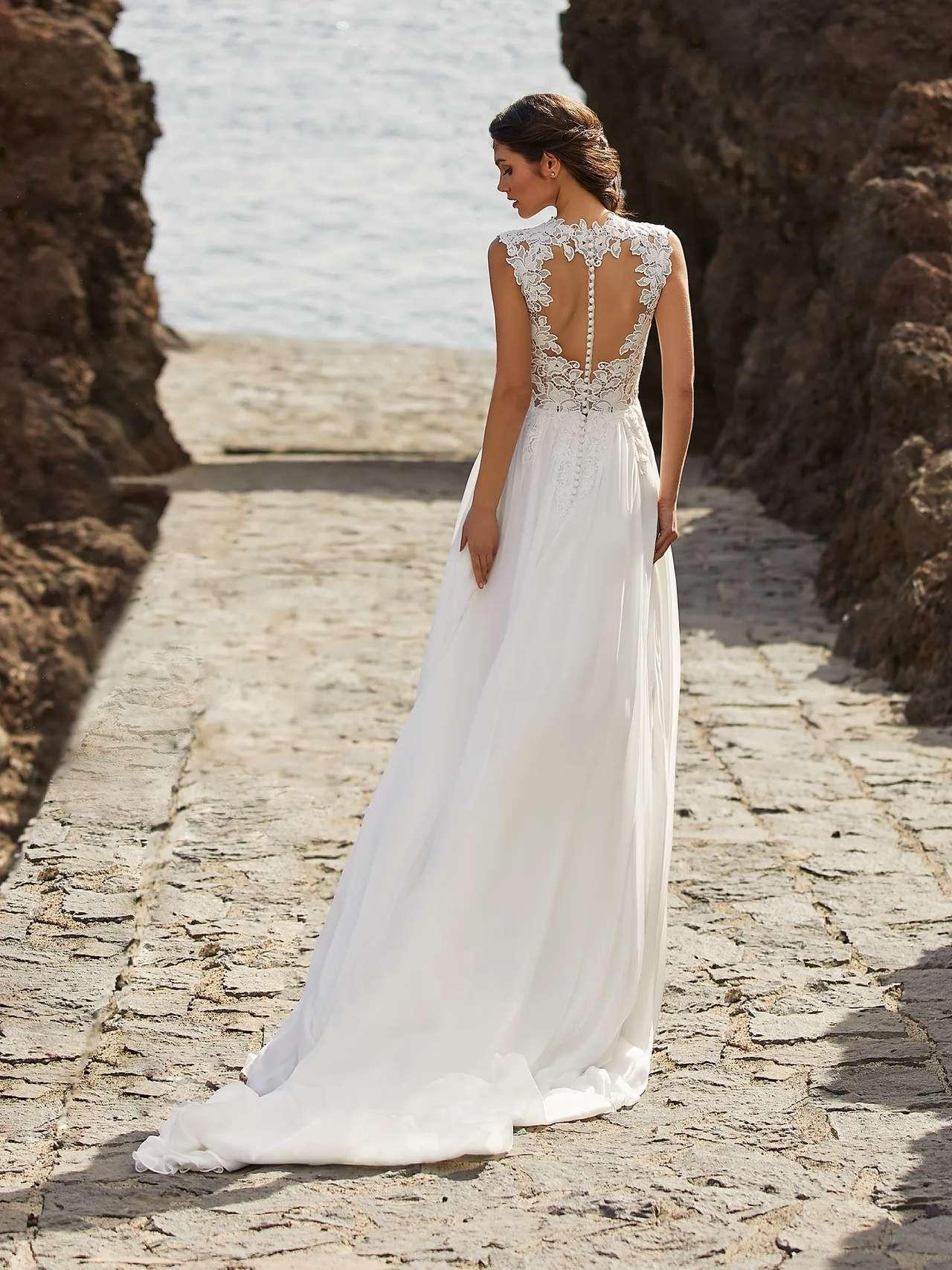 Bette esküvői ruha - Pronovias 2021