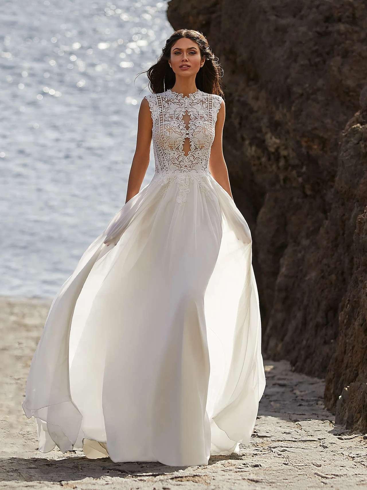 Pronovias 2021 menyasszonyi ruha: Bette