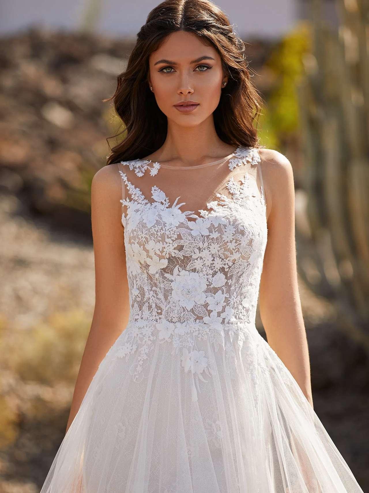 Pronovias 2021 menyasszonyi ruha: Britt