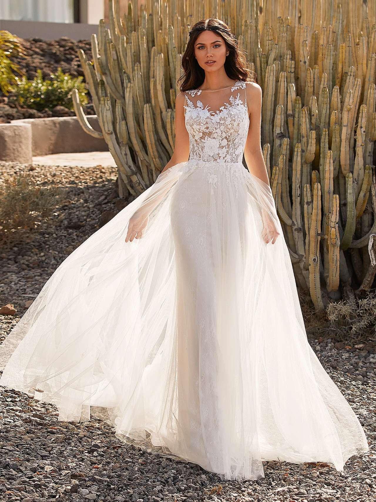 Pronovias 2021 esküvői ruha: Britt