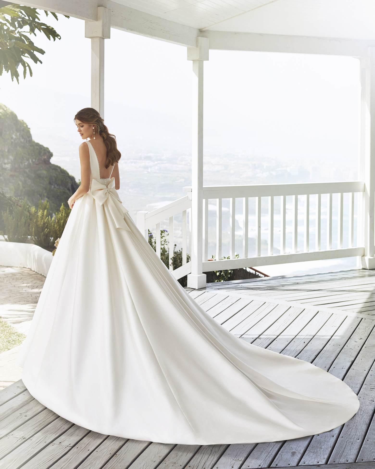 Cabak esküvői ruha - Rosa Clará 2021