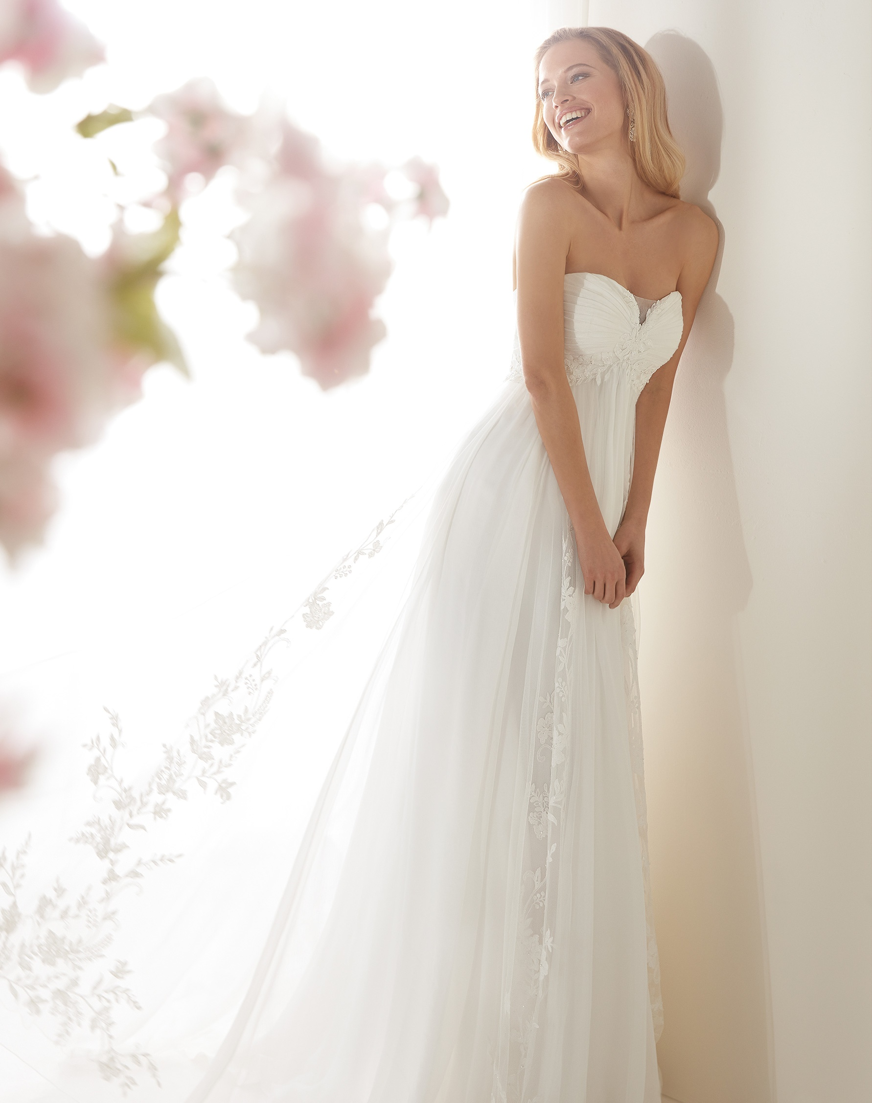 NICOLE SPOSE Milano kollekció menyasszonyi ruha: COAB19220