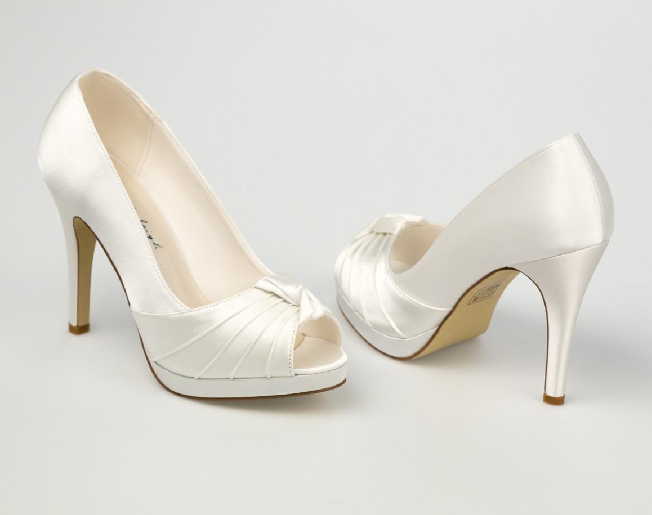 Gina menyasszonyi ruha - Esküvői Cipő