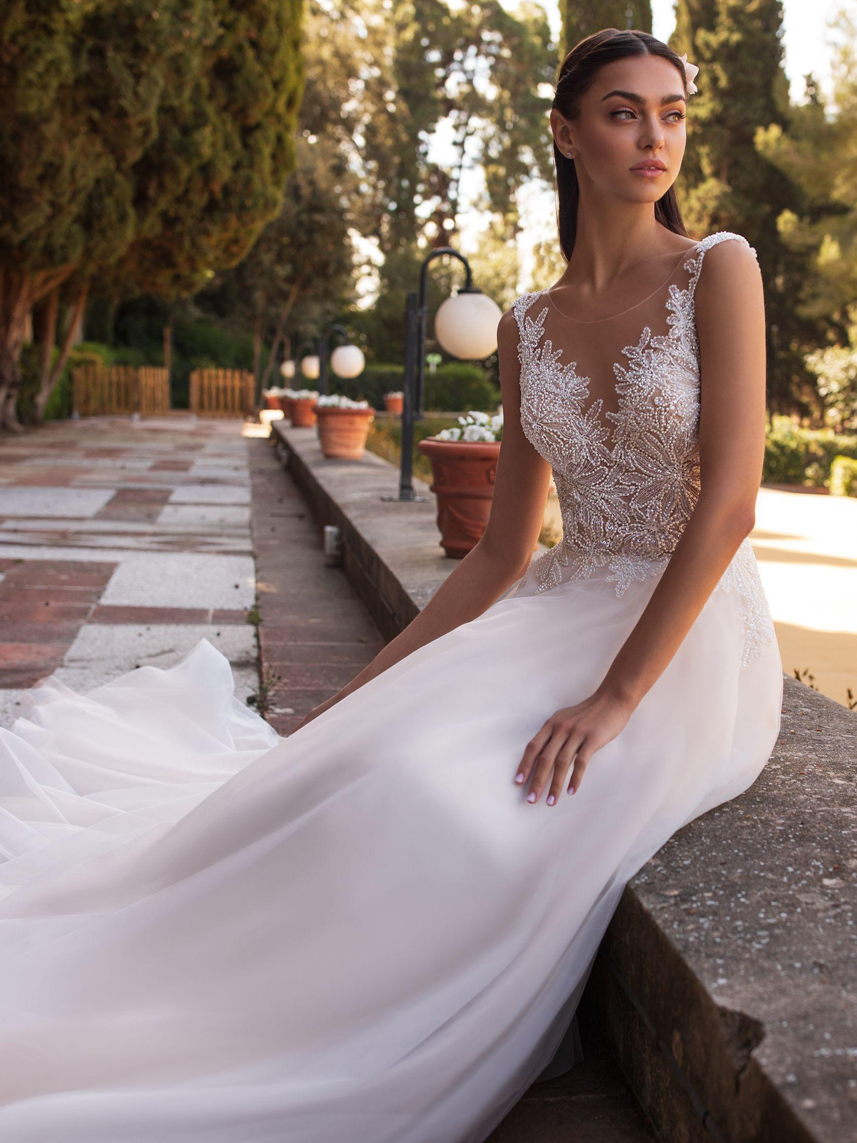 Pronovias 2021 menyasszonyi ruha: Io