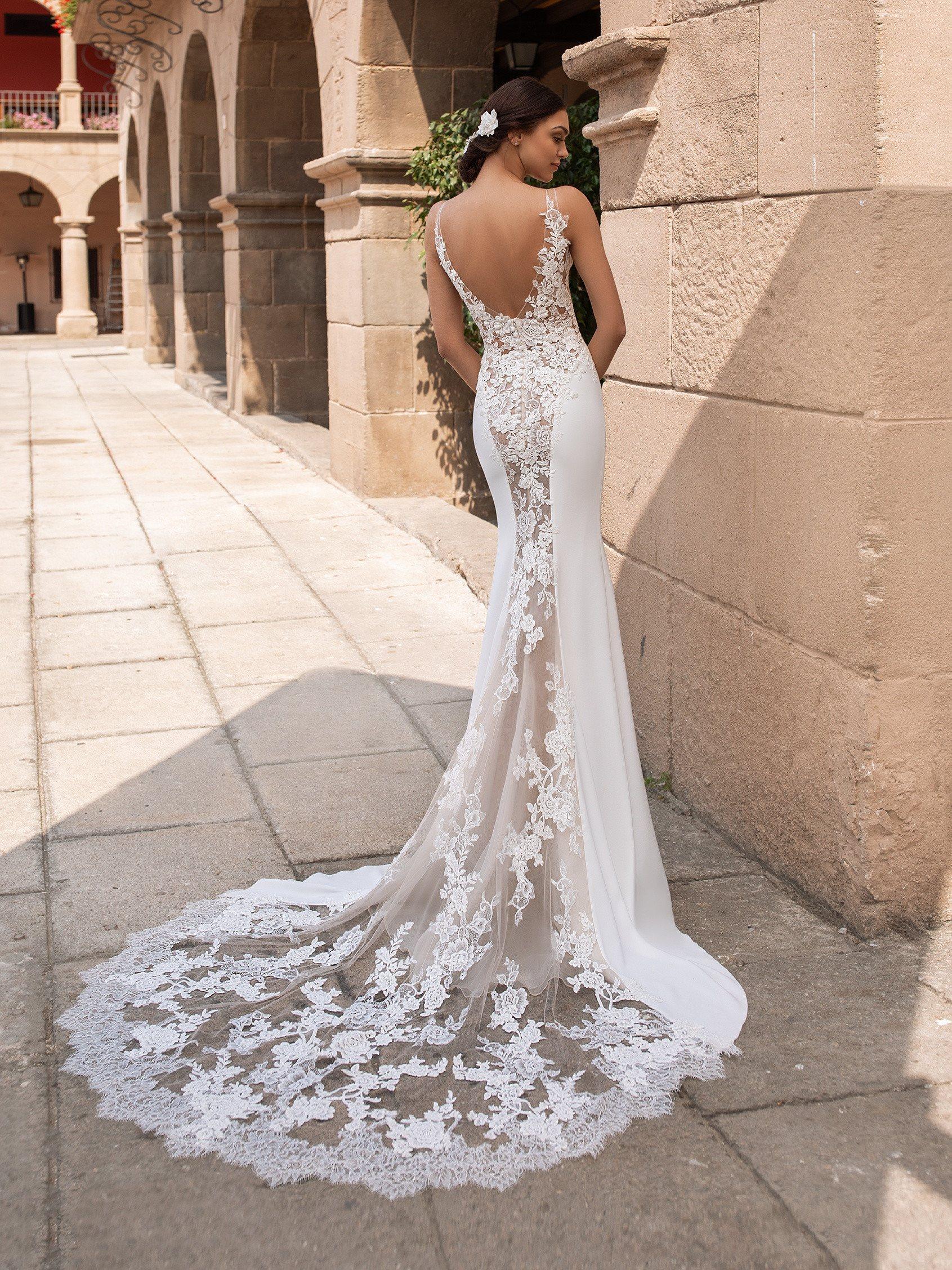Iocaste esküvői ruha - Pronovias 2021