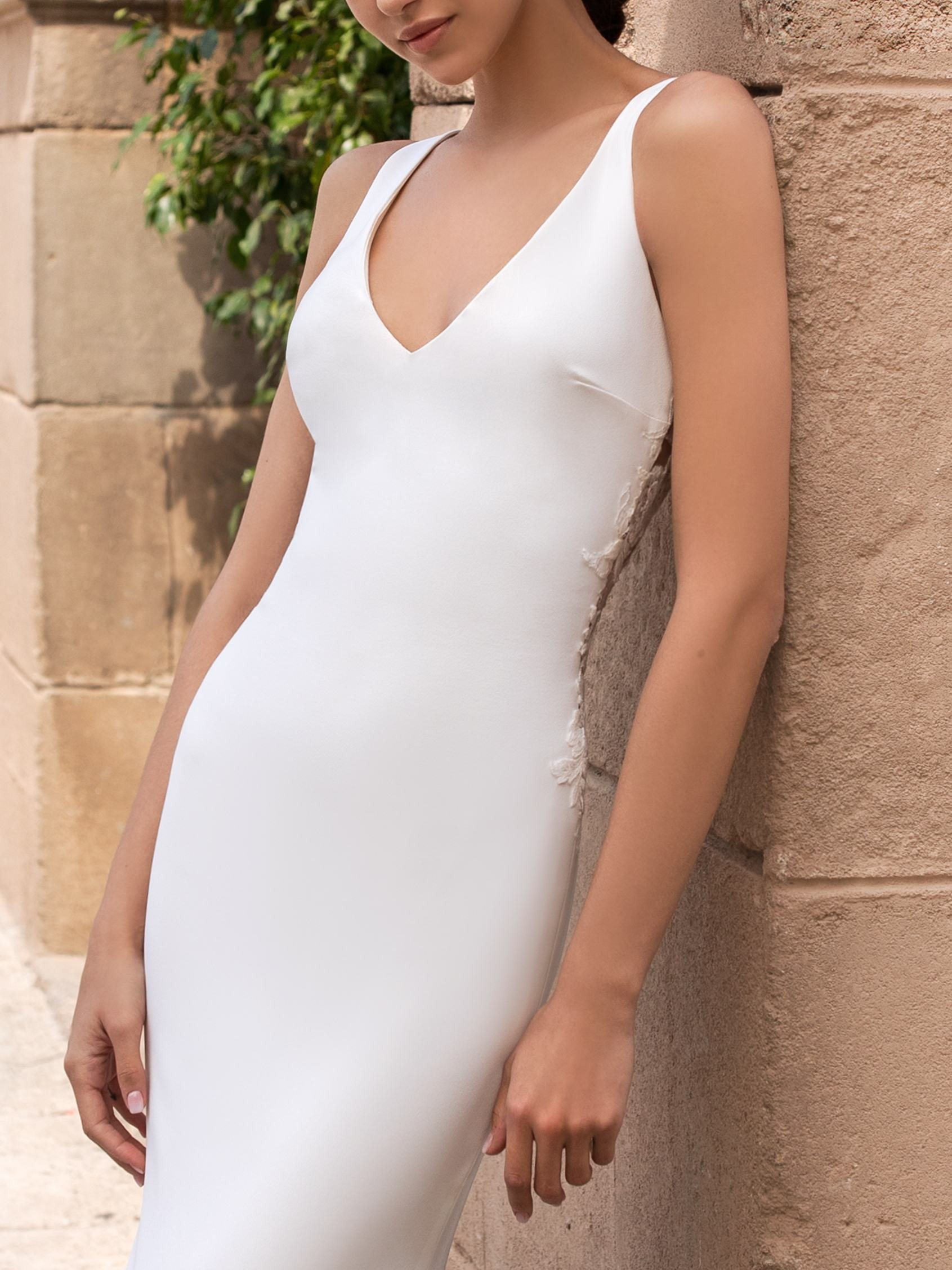 Pronovias 2021 menyasszonyi ruha: Iocaste