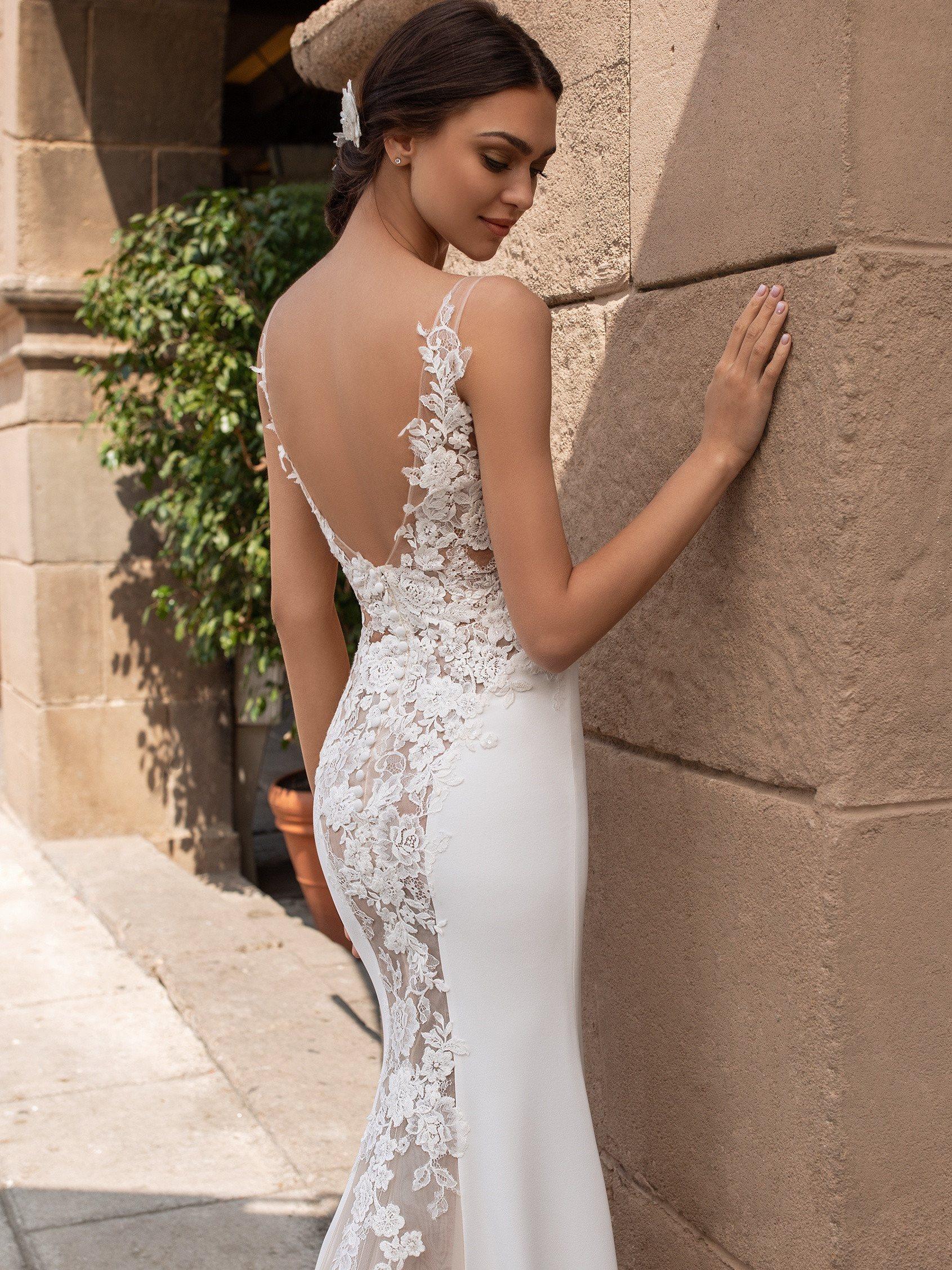 Pronovias 2021 esküvői ruha: Iocaste