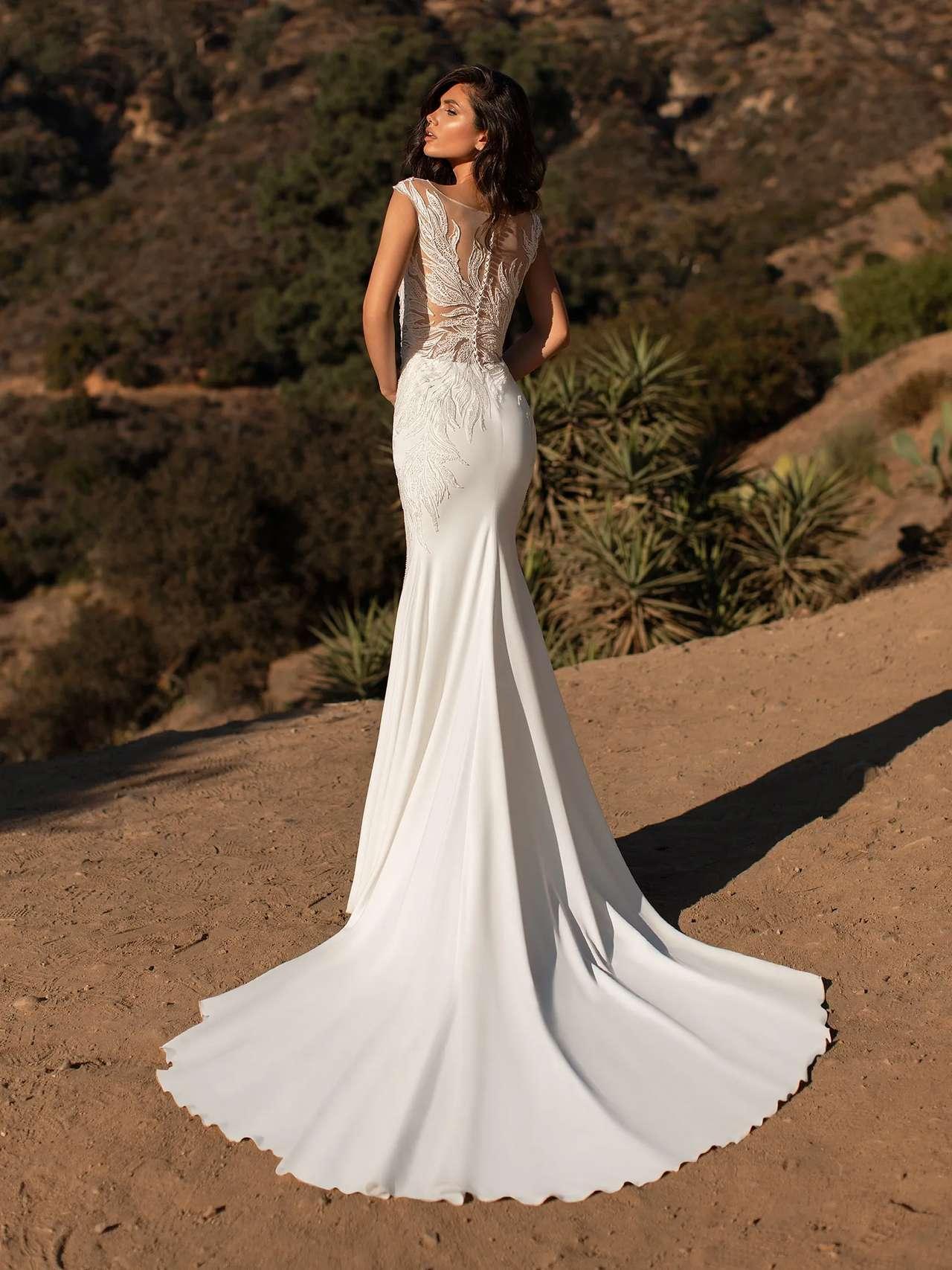 Pronovias 2021 menyasszonyi ruha: Ladd