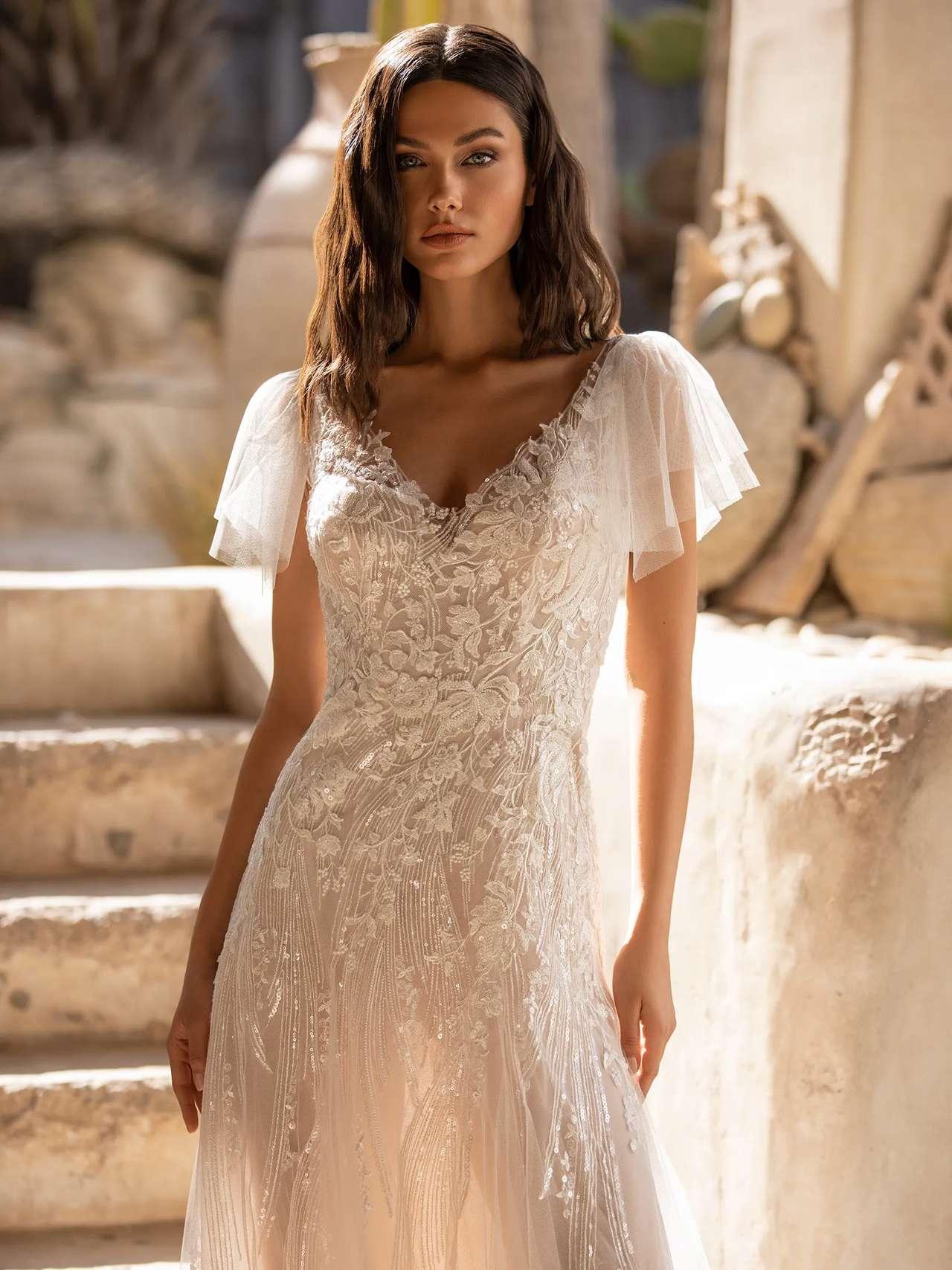 Lake esküvői ruha - Pronovias 2021