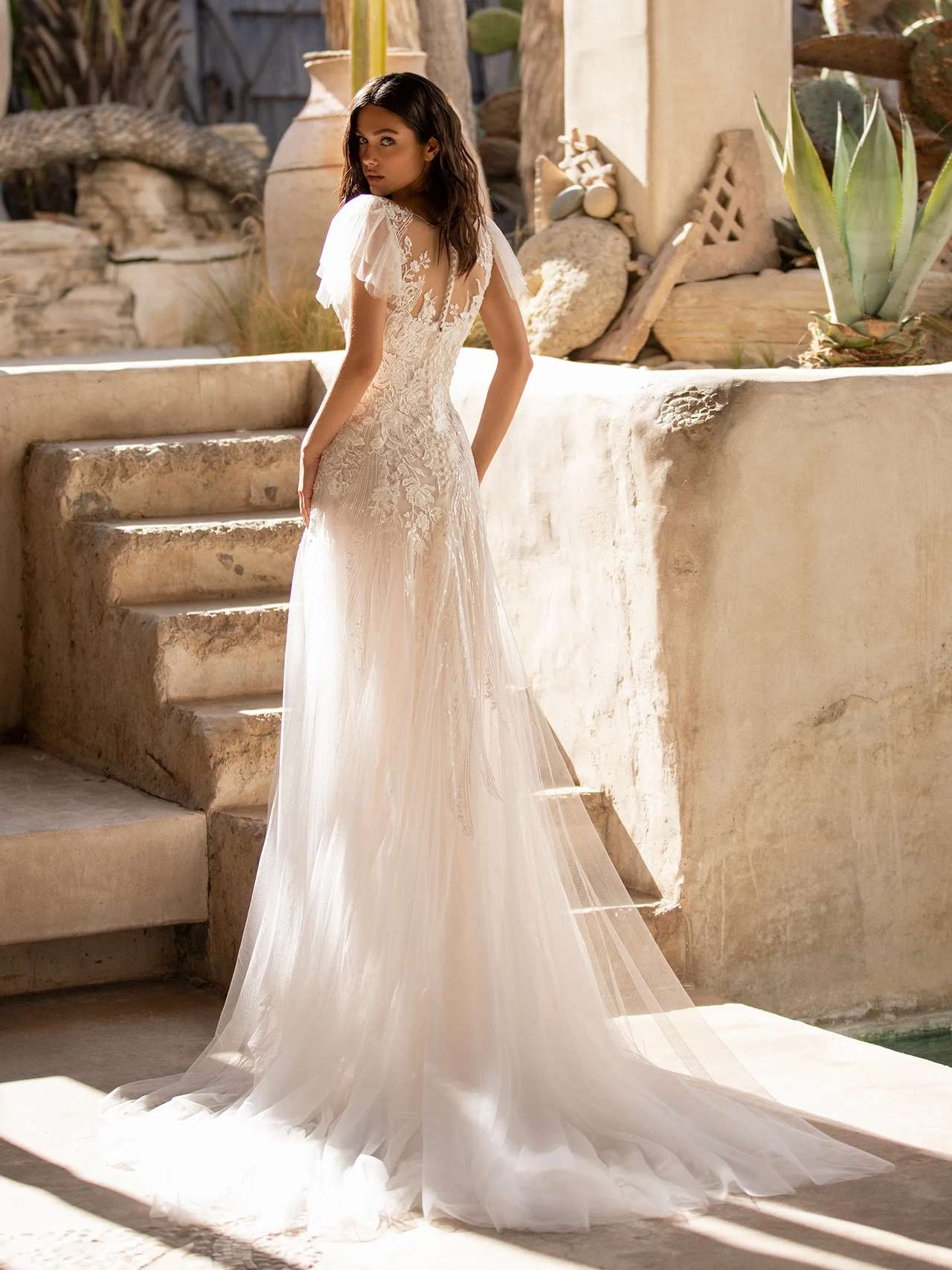 Pronovias 2021 menyasszonyi ruha: Lake