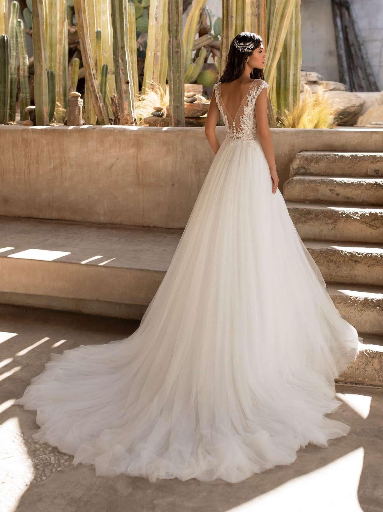 Pronovias 2021 menyasszonyi ruha: Mirren