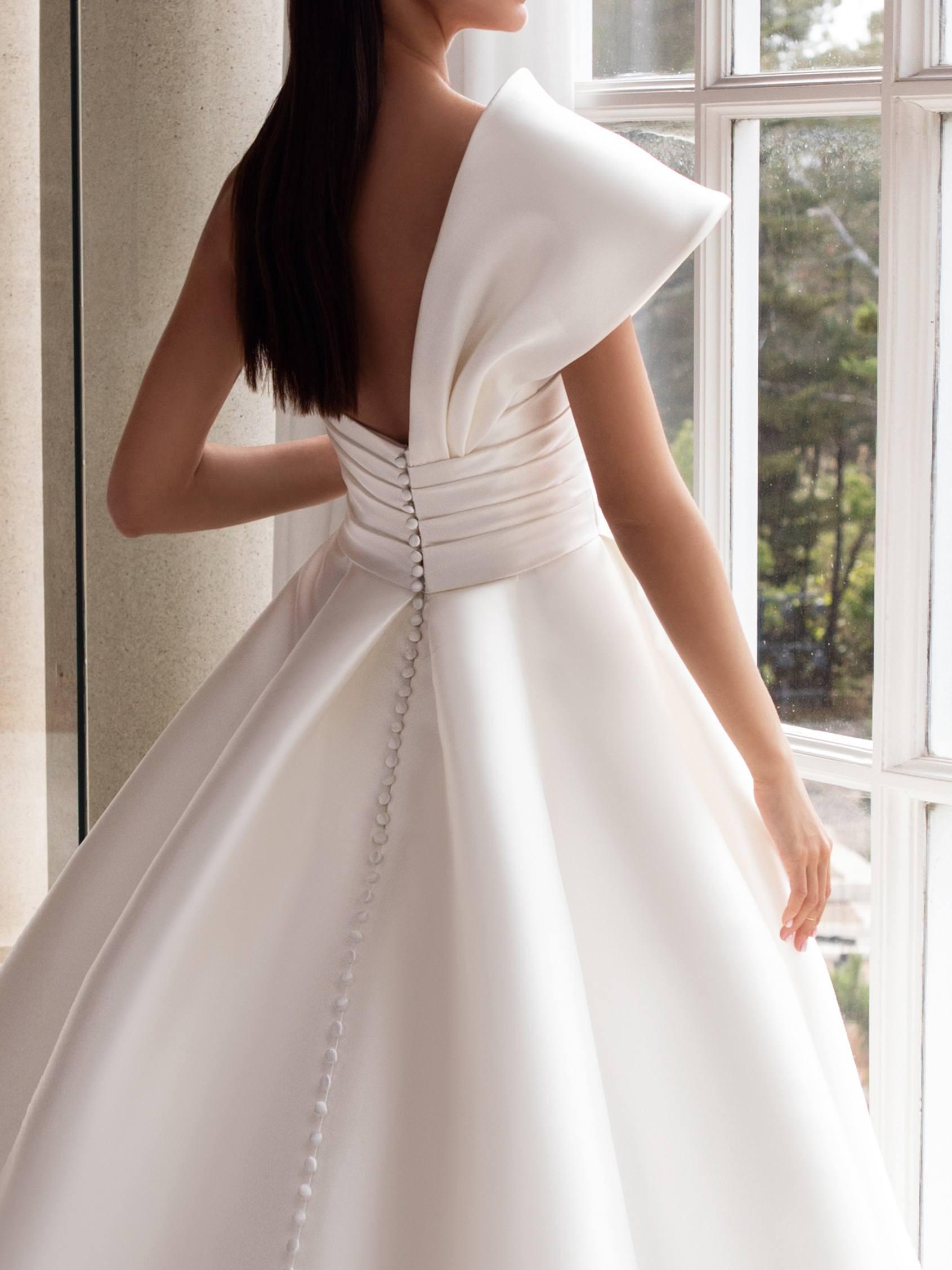 Pronovias 2021 esküvői ruha: Sedna