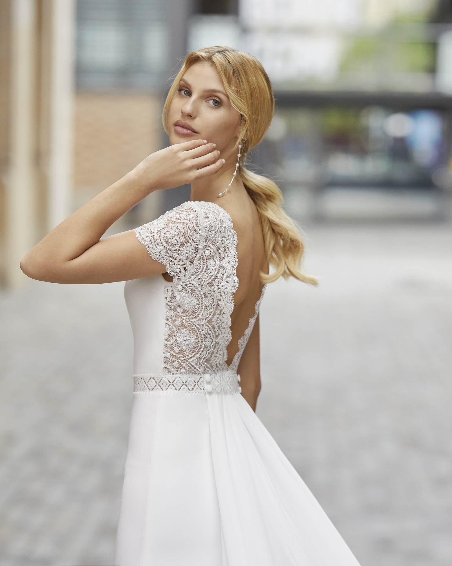Rosa Clará 2021 menyasszonyi ruha: Talina