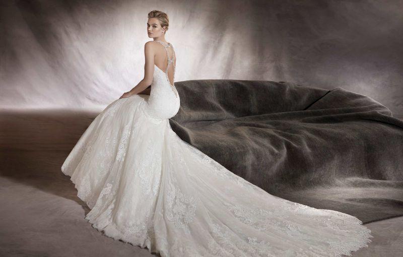 a7886abbcb Pronovias előfoglalás - La Mariée esküvői ruhaszalon: Alexia menyasszonyi  ruha ...