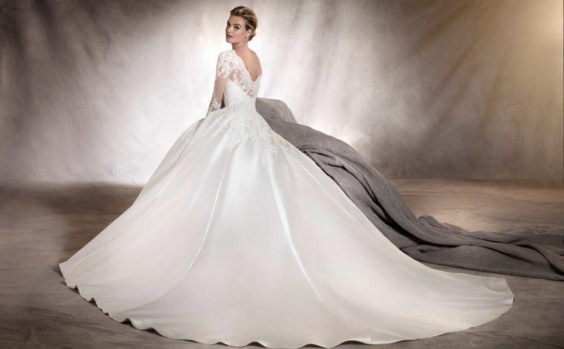 3a44e556de Pronovias előfoglalás - La Mariée esküvői ruhaszalon: Alhambra menyasszonyi  ruha ...