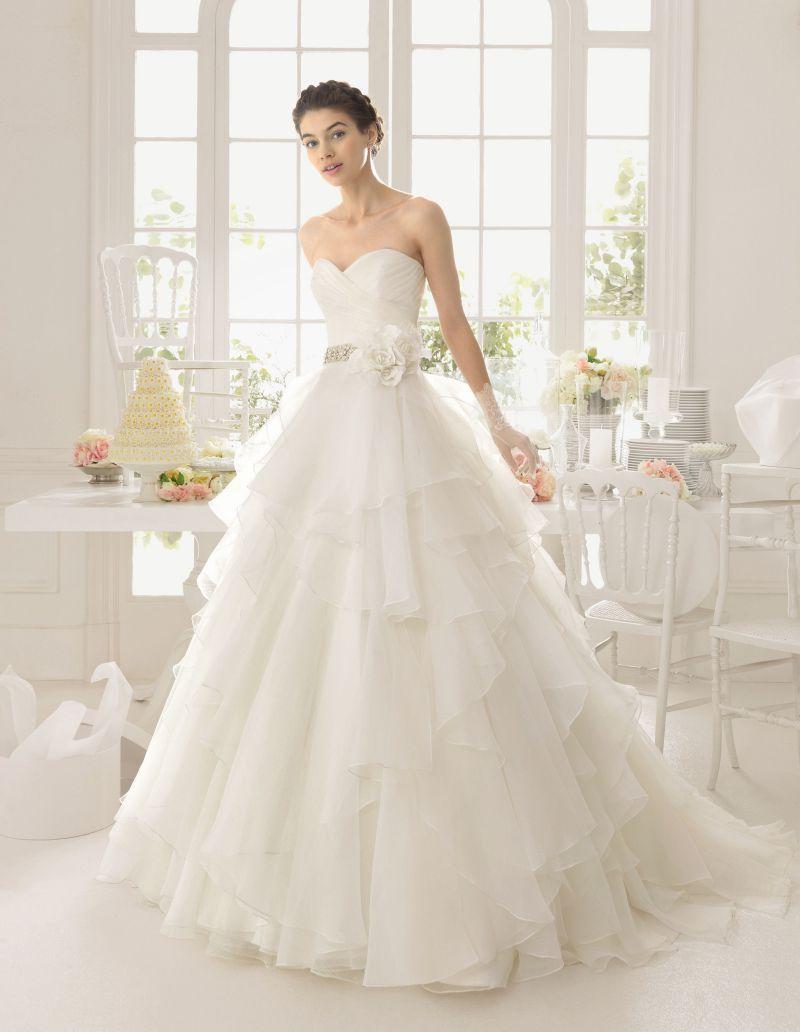 Rosa Clará Aire előfoglalási kedvezmények - La Mariée esküvői ruhaszalon Budapest: Aneto menyasszonyi ruha