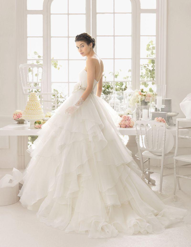Rosa Clará Aire előfoglalási kedvezmények - La Mariée esküvői ruhaszalon Budapest: Aneto eskövői ruha