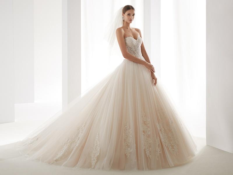 NICOLE SPOSE Milano kollekció: AUAB191006 menyasszonyi ruha