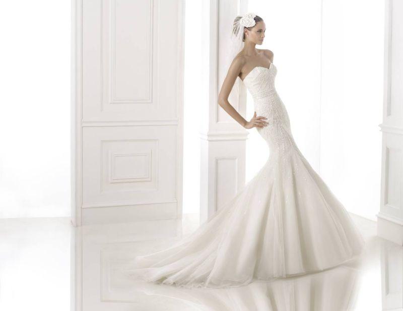 Pronovias előfoglalás - La Mariée esküvői ruhaszalon: Babia menyasszonyi ruha