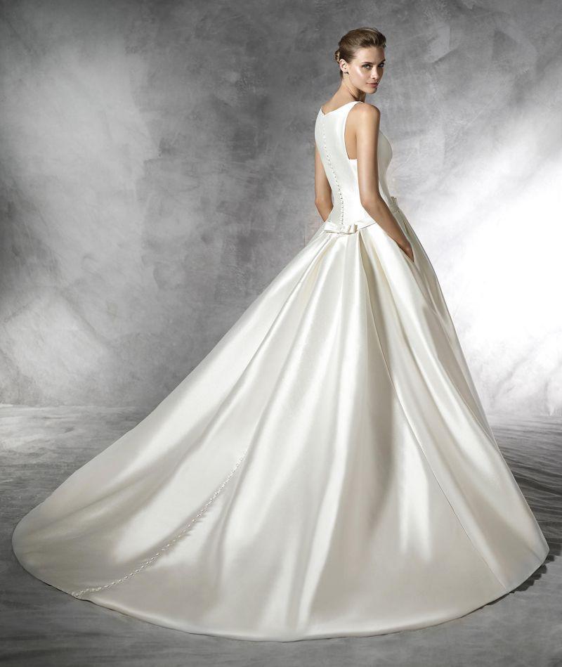 Pronovias 2018 menyasszonyi ruha kollekció: Barcaza eskövői ruha