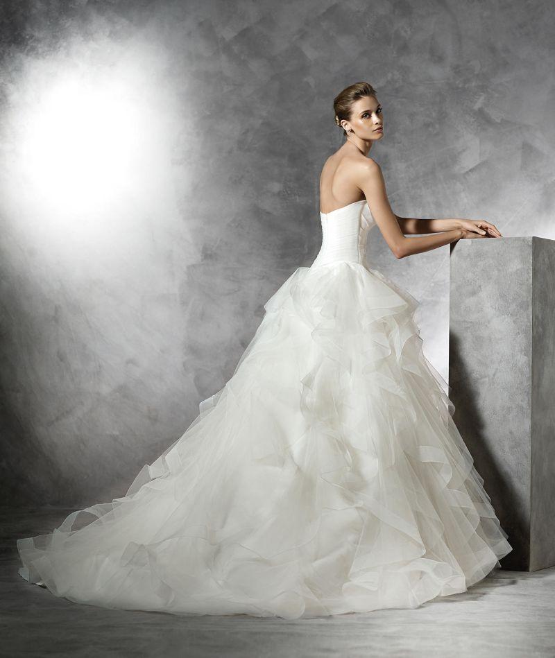 Pronovias előfoglalás - La Mariée esküvői ruhaszalon: Belia eskövői ruha