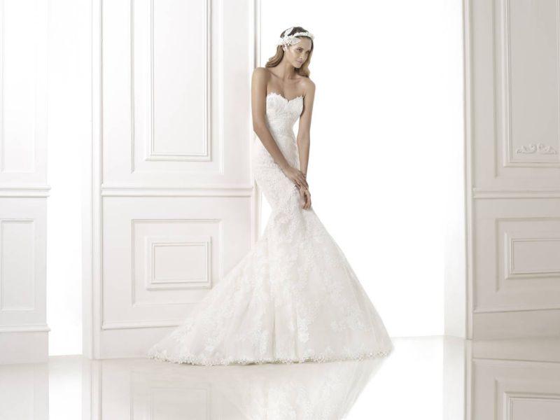 Pronovias előfoglalás - La Mariée esküvői ruhaszalon: Bella menyasszonyi ruha