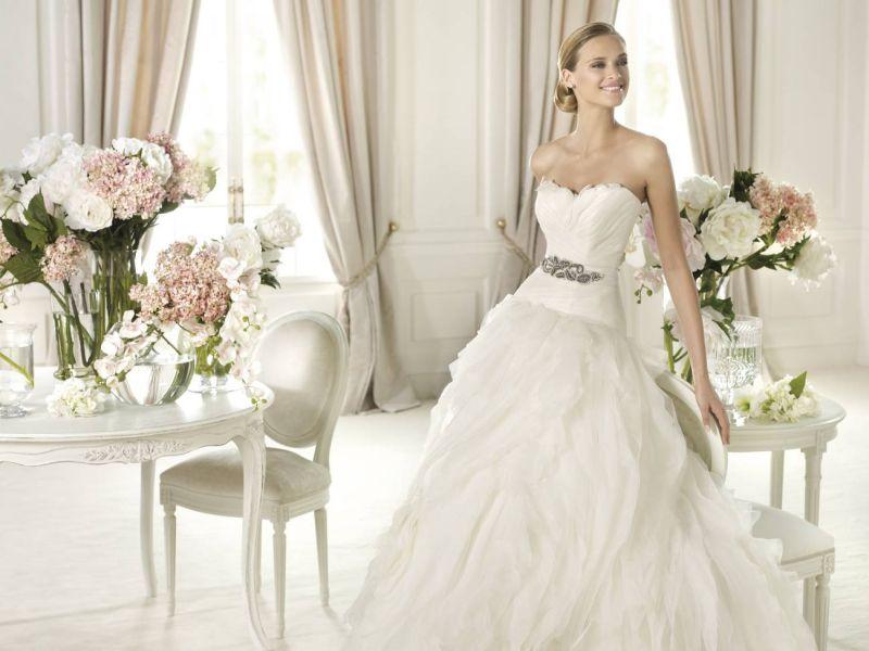Pronovias előfoglalás - La Mariée esküvői ruhaszalon: Benicarlo menyasszonyi ruha