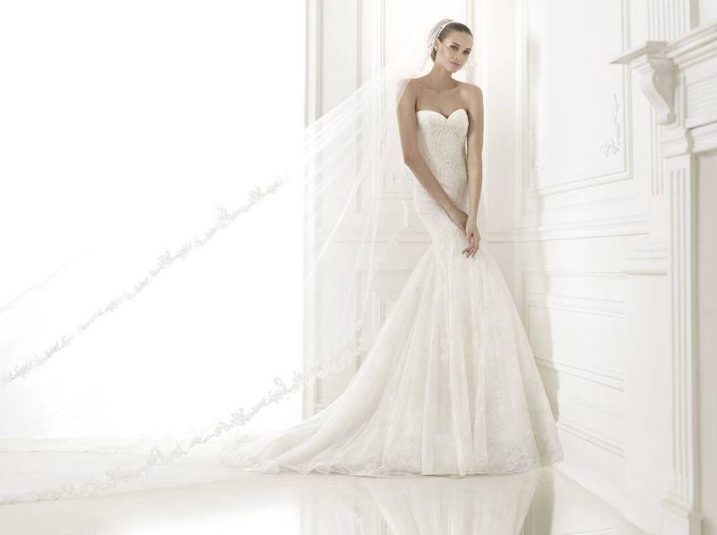 Pronovias előfoglalás - La Mariée esküvői ruhaszalon: Bertina menyasszonyi ruha