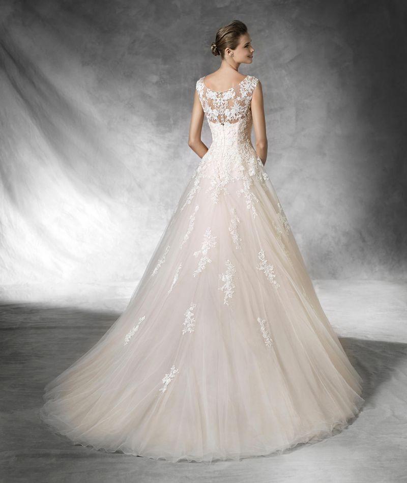 Pronovias előfoglalás - La Mariée esküvői ruhaszalon: Bia eskövői ruha