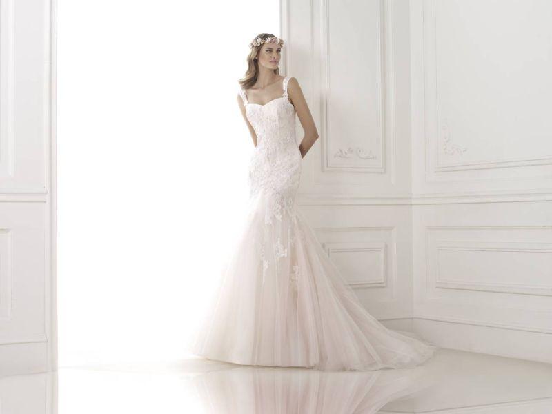 Pronovias előfoglalás - La Mariée esküvői ruhaszalon: Bice menyasszonyi ruha