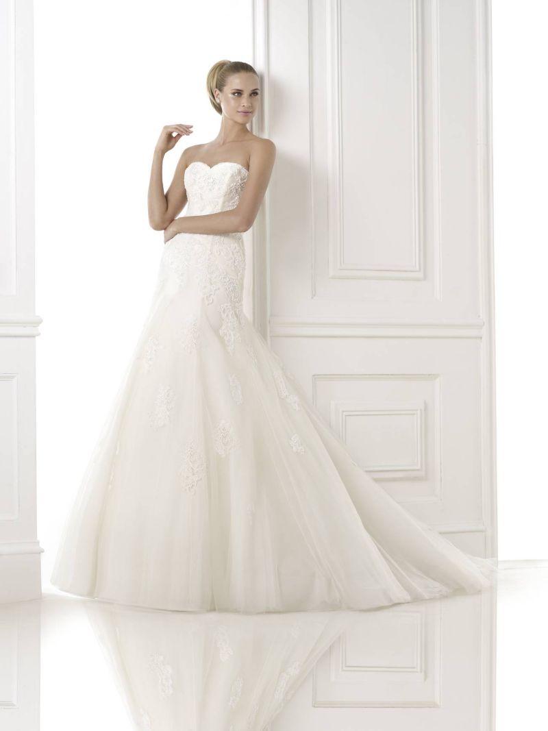 Pronovias előfoglalás - La Mariée esküvői ruhaszalon: Bimba eskövői ruha