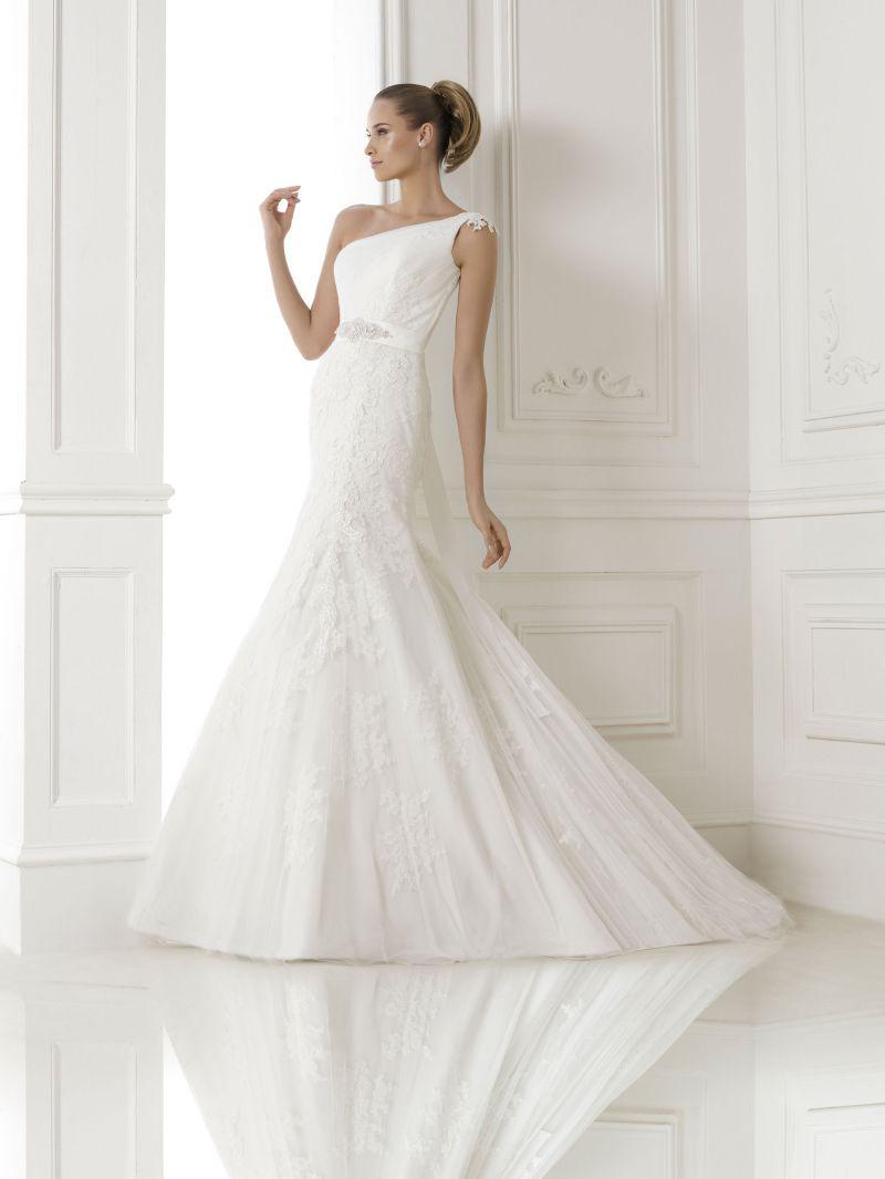 Pronovias előfoglalás - La Mariée esküvői ruhaszalon: Bora eskövői ruha