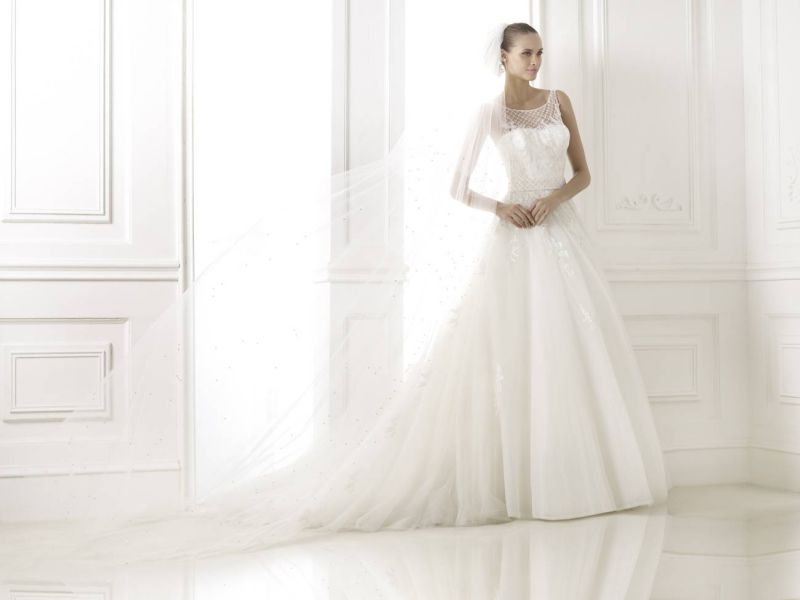 Pronovias előfoglalás - La Mariée esküvői ruhaszalon: Branca menyasszonyi ruha
