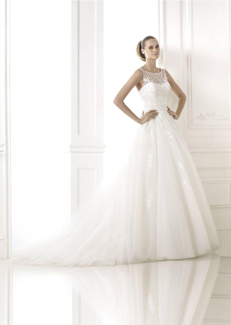 Pronovias előfoglalás - La Mariée esküvői ruhaszalon: Branca eskövői ruha