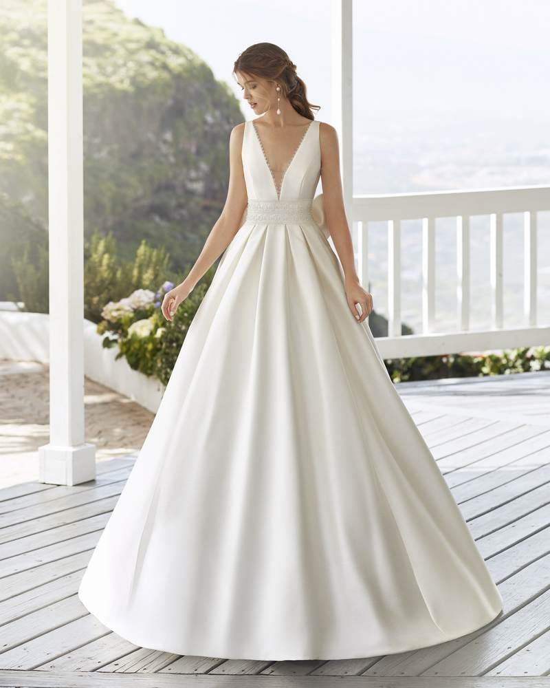 Rosa Clará 2021-es menyasszonyi ruha kollekció vásárlás, bérlés: Cabak menyasszonyi ruha