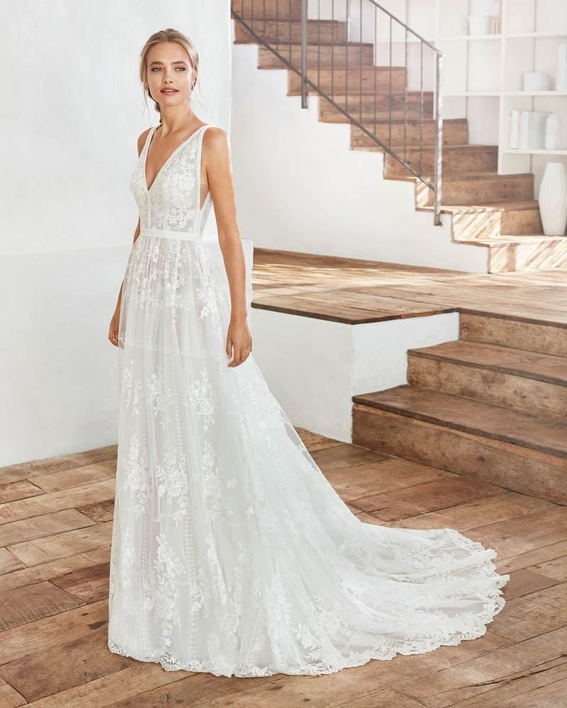 Rosa Clará 2021-es menyasszonyi ruha kollekció vásárlás, bérlés: Camilia menyasszonyi ruha