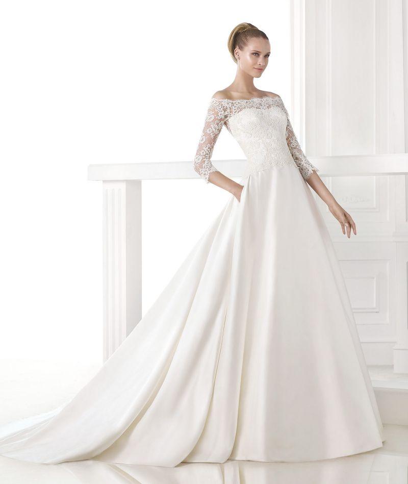Pronovias Atelier mennyasszonyi ruha kollekció: Celandia menyasszonyi ruha