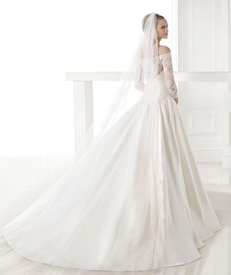 Pronovias Atelier mennyasszonyi ruha kollekció: Celandia eskövői ruha