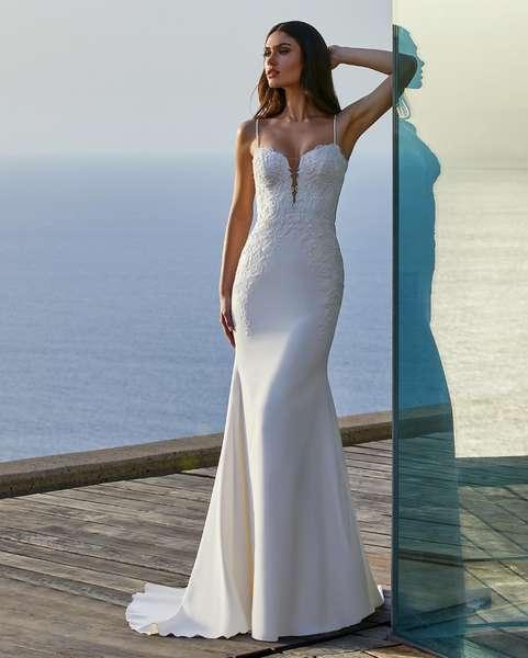 Esküvői ruha bérlés, vásárlás – Pronovias 2021-es kollekció: Clara menyasszonyi ruha