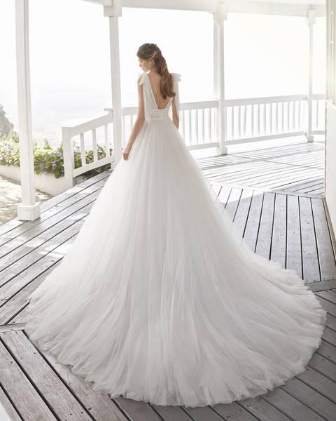 Rosa Clará 2021-es menyasszonyi ruha kollekció vásárlás, bérlés: Croacia eskövői ruha