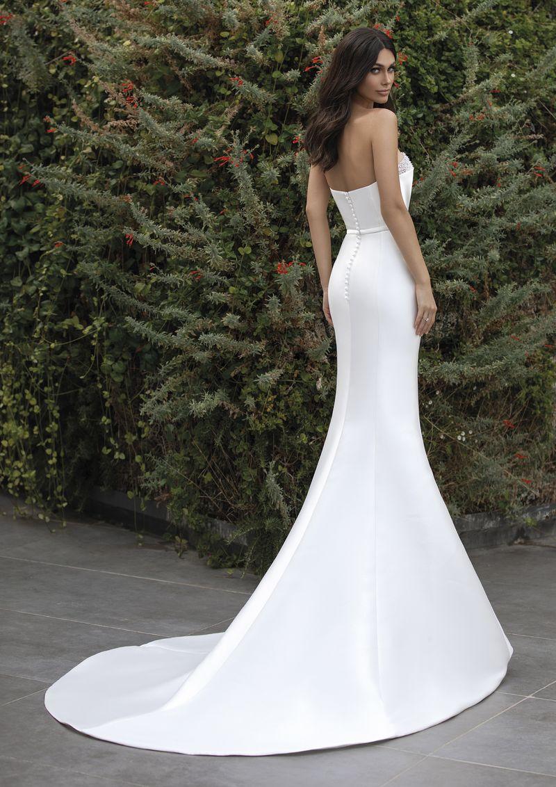 86efc4acd3 ... Pronovias 2018 menyasszonyi ruha kollekció: Dafne eskövői ruha
