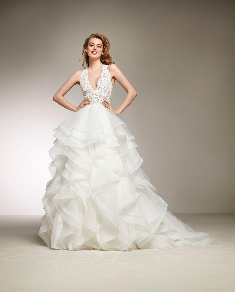 Pronovias 2018 menyasszonyi ruha kollekció: Dora menyasszonyi ruha