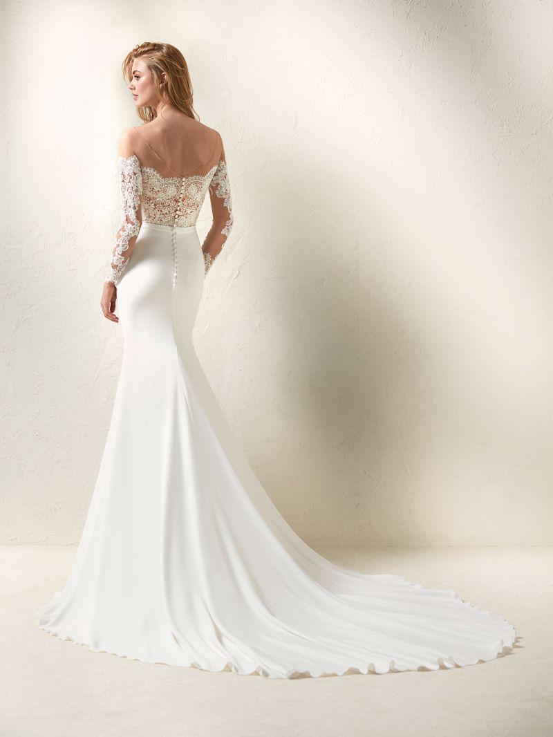 Pronovias 2018 menyasszonyi ruha kollekció: Dracma eskövői ruha