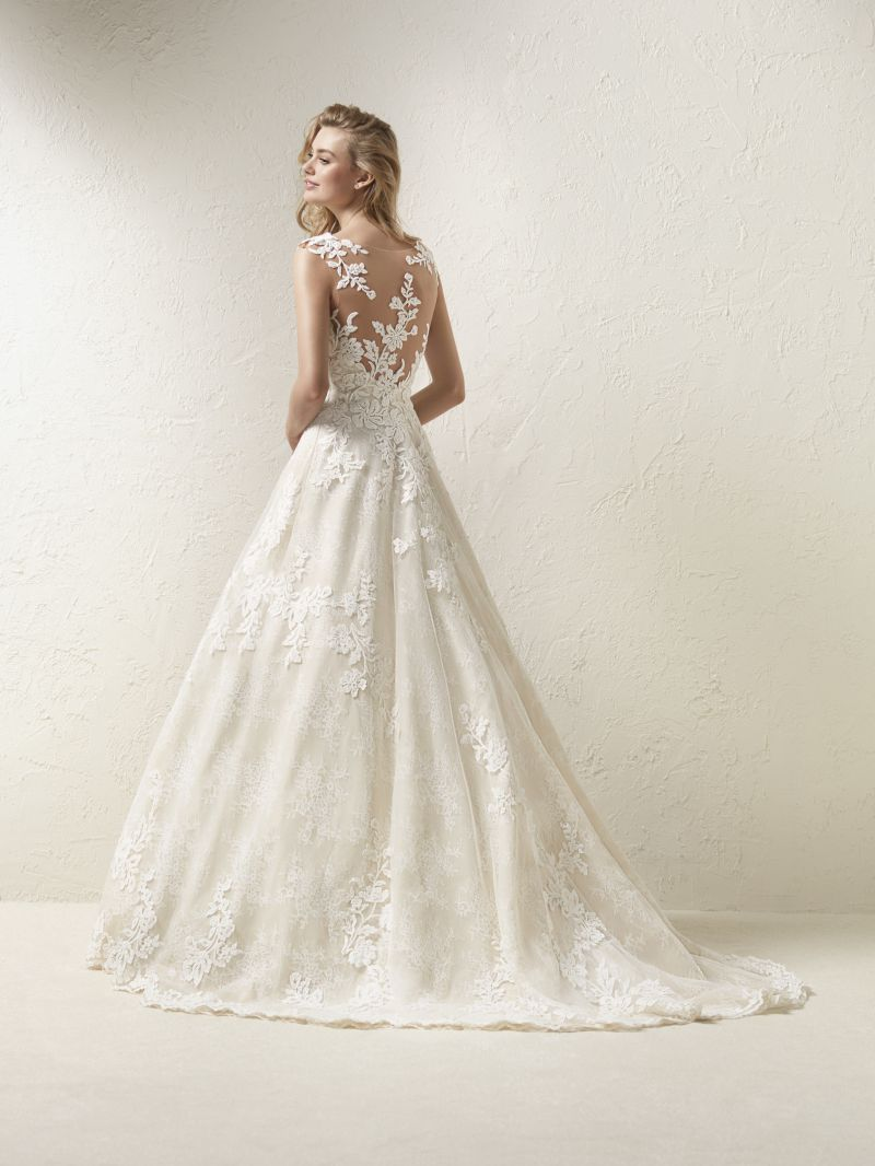 Pronovias 2018 menyasszonyi ruha kollekció: Dracme menyasszonyi ruha