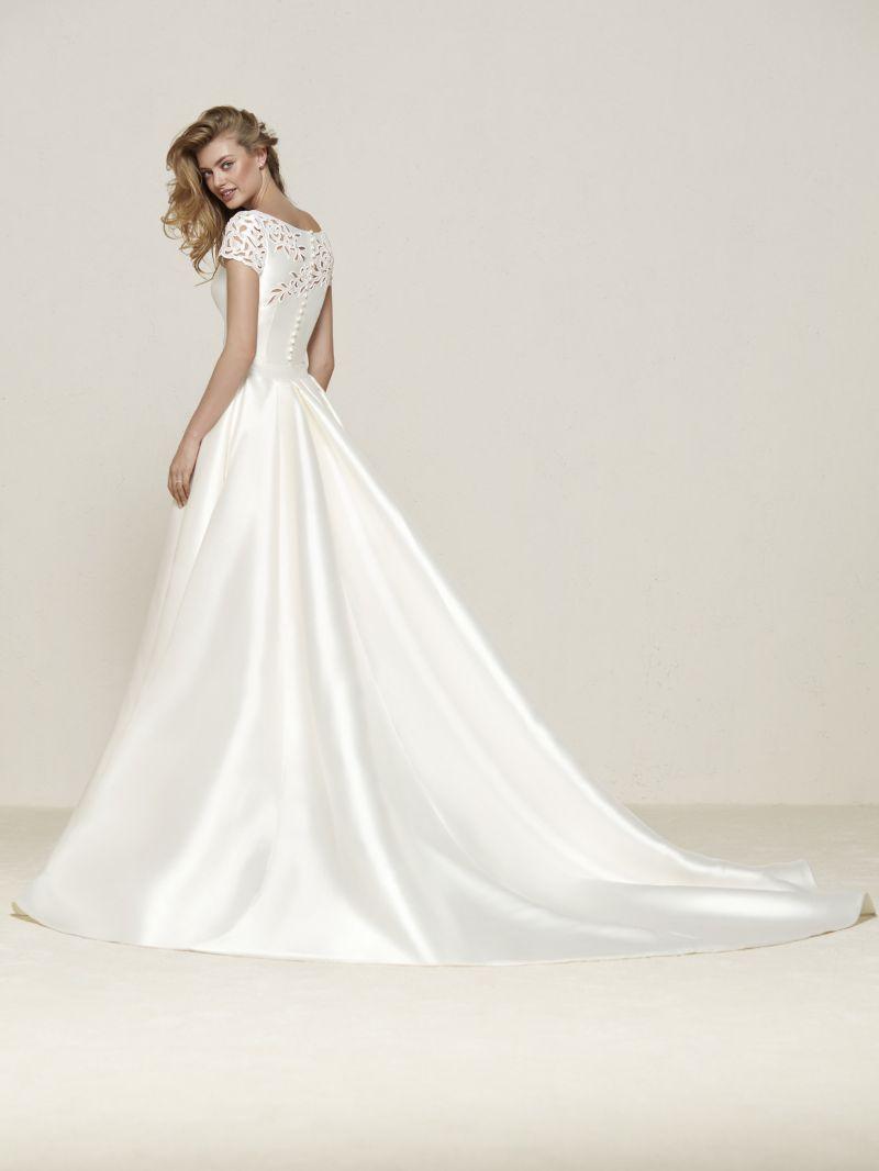 Pronovias 2018 menyasszonyi ruha kollekció: Drasila eskövői ruha