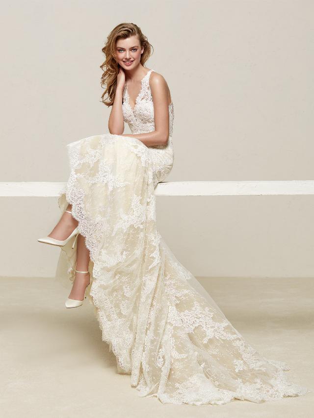 Pronovias 2018 menyasszonyi ruha kollekció: Drilos eskövői ruha
